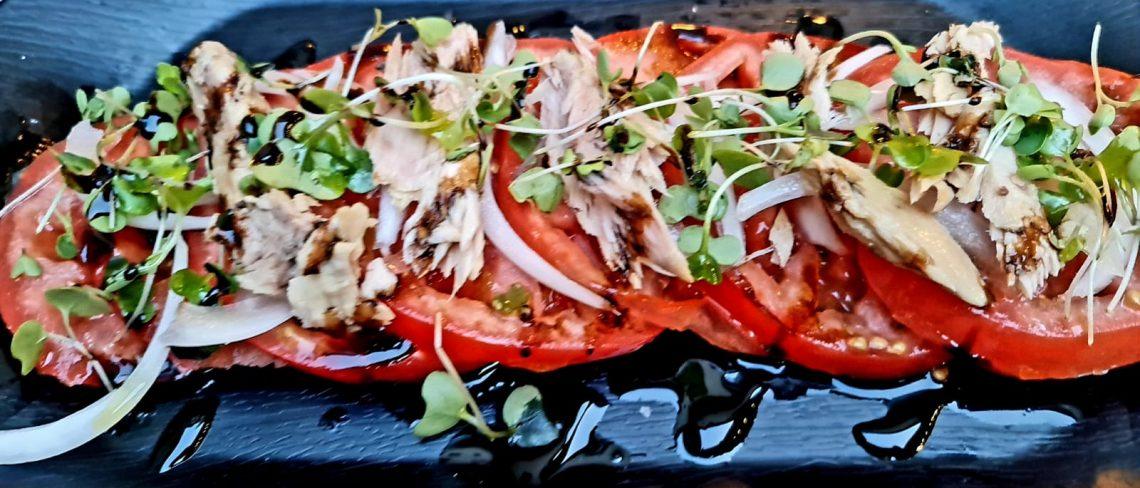 A l'Arrossería Andorra també podem menjar altres plats com l'amanida de ventresca de tonyina del cantàbric.